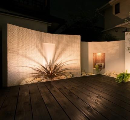 お庭を暮らしの一部にリガーデンで手に入るアウトドアリビング